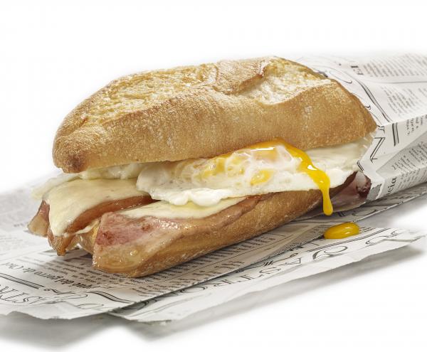 Pincho bacon queso y huevo